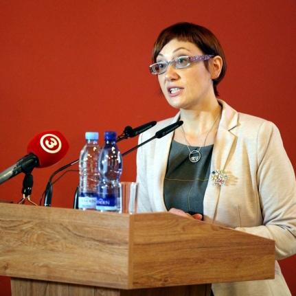 Iluta-Lace--Executive-Director